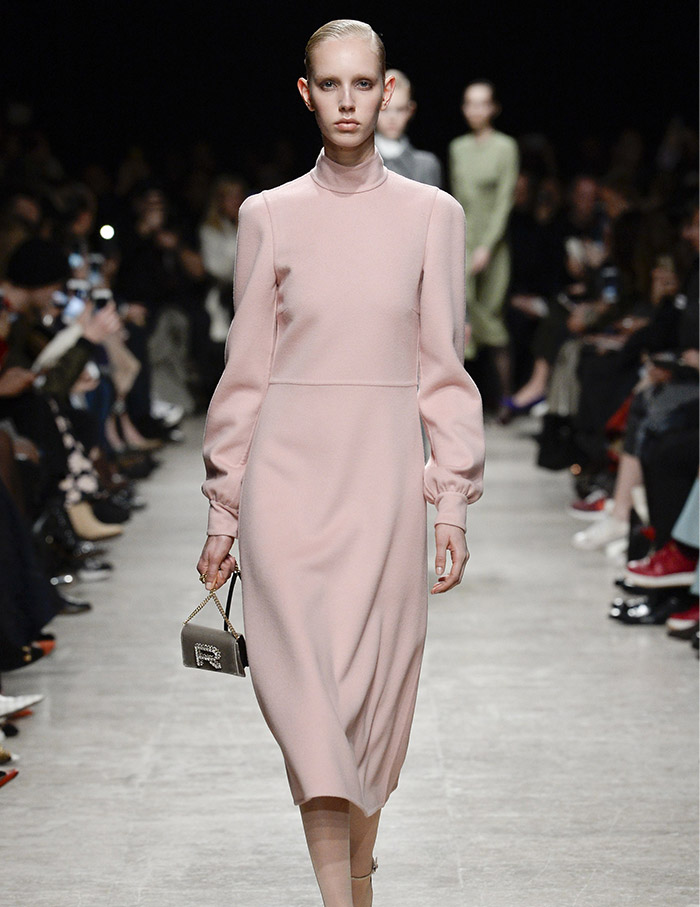 Rochas_AW17_1_Featured